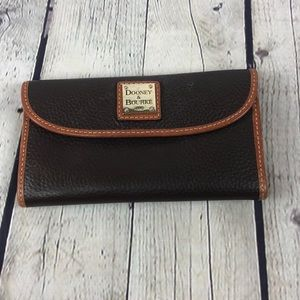 Brown leather Dooney and Bourke wallet